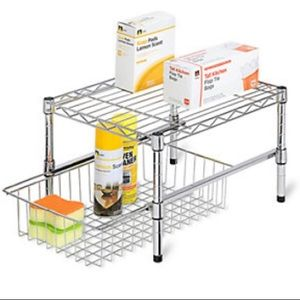Adjustable shelf cabinet organizer